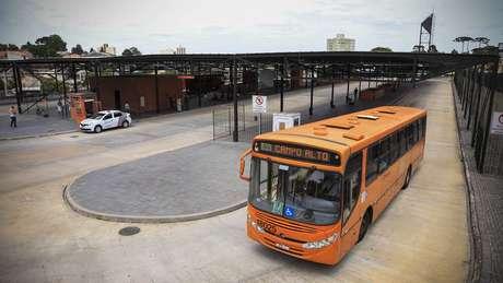 Recentemente, a Prefeitura de Curitiba abriu licitação para terminar as obras do terminal Santa Cândida