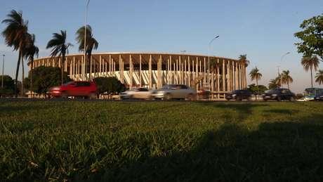 Obras de urbanização no entorno do estádio Mané Garrincha não saíram do papel