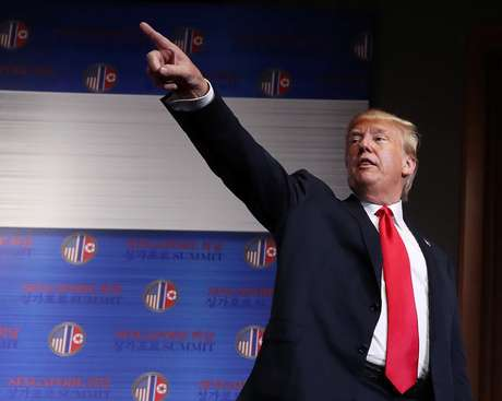 Trump durante entrevista em Cingapura  12/6/2018    REUTERS/Jonathan Ernst