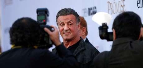 Sylvester Stallone posa durante evento em Los Angeles