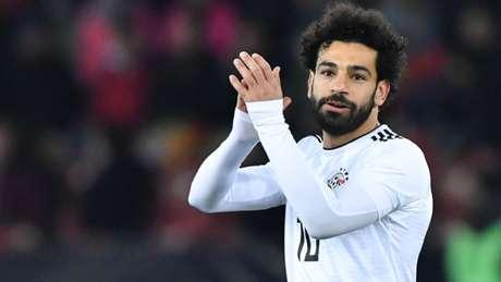 Salah fez treinou com bola pela primeira vez desde a lesão (Foto: Reprodução/Twitter)