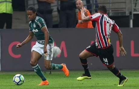 Keno vinha sendo titular até machucar a coxa, contra o São Paulo - FOTO: Cesar Greco