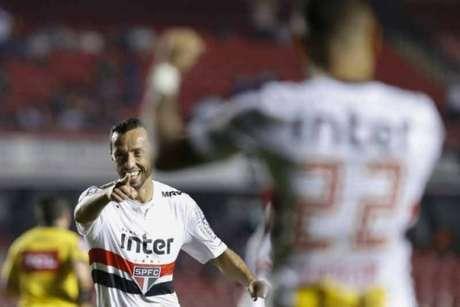 São Paulo perdeu apenas um jogo em doze rodadas do Brasileirão (Marcello Zambrana/AGIF)