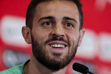 Meia Bernardo Silva afirma que os problemas envolvendo Espanha não mudam seu status na Copa (FPF/Diogo Pinto)