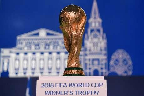 A Rússia dificilmente ficará com a taça da Copa, mas pode ganhar pontos aos olhos de todos, mostrando que é capaz de organizar um grande evento e que quer se abrir de vez para o mundo (Kirill KUDRYAVTSEV / AFP)