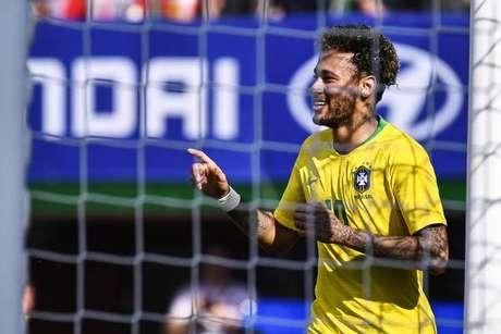 Neymar já mostrou em amistosos que está recuperado de contusão ... 0df97fc5da909
