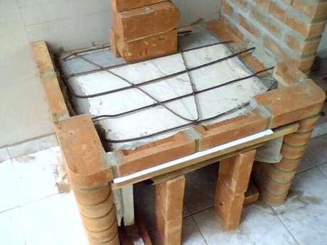 7 -Construa a caixa da churrasqueira.