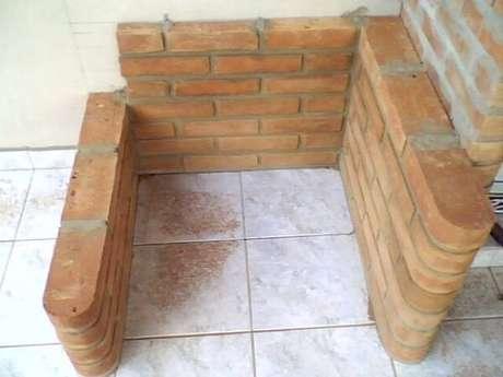 6 -Construa a base da sua churrasqueira