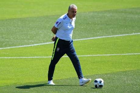 O técnico Tite em treino da Seleção