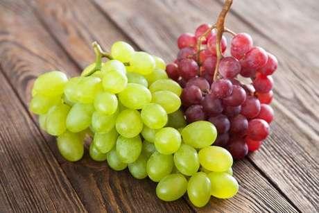 Uva verde e uva vermelha: os dois tipos podem ser usados para fazer o doce