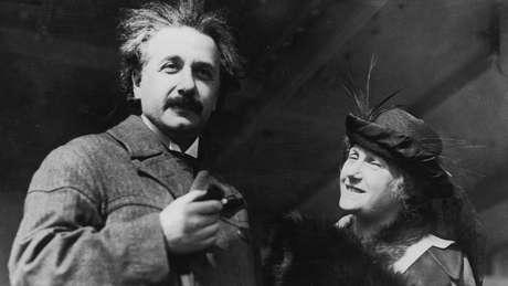 Einstein embarcou para a viagem que registra nos diários junto com sua mulher, Elsa