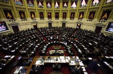 Câmara dos Deputados na Argentina aprovou a descriminalização do aborto, e projeto de lei vai para o Senado