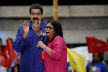 Maduro e Delcy Rodríguez durante evento em Caracas  7/2/2018    REUTERS/Marco Bello