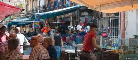 Via Maqueda é uma das mais diversificadas de Palermo