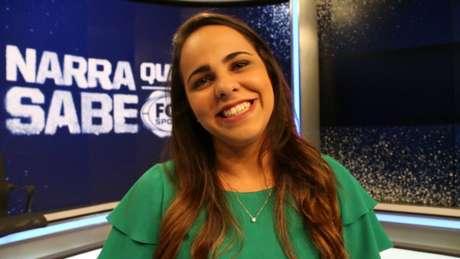 Isabelly Morais se tornou a primeira mulher a narrar um jogo de Copa na TV brasileira (Foto: Thaynara Lima)
