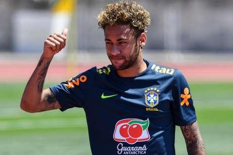Tite terá Neymar como titular na estreia do Brasil na Copa do Mundo, no domingo (Foto: Nelson Almeida/AFP)