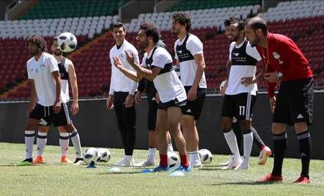 Salah está treinando de manhã, de tarde e de noite para estar 100% na Copa (Foto: Karim Jaafaar/AFP)
