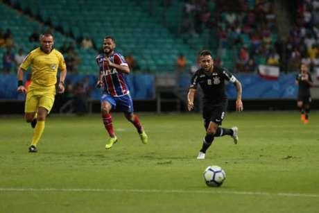 Maycon fez seu último jogo com a camisa do Corinthians na derrota para o Bahia (Foto: Will Vieira/Raw Image)