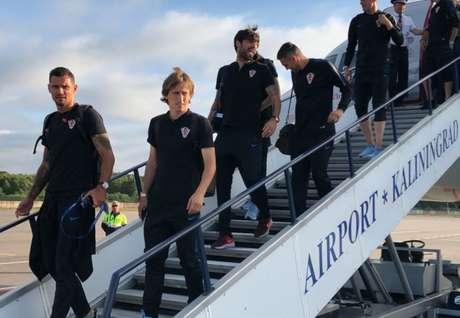 Chegada dos jogadores croatas à cidade da estreia na Copa - FOTO: Divulgação