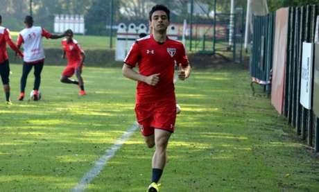 Contratado pelo Tricolor no fim de 2014, o meio-campista fez apenas 16 jogos pelo clube do Morumbi (Érico Leonan/saopaulofc.net)