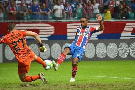 Lance durante a partida entre Bahia e Corinthians, válida pelo Campeonato Brasileiro 2018 na Arena Fonte Nova em Salvador (BA), nesta quarta-feira (13).