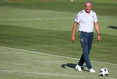 O técnico Tite em treino da Seleção, na cidade de Sochi