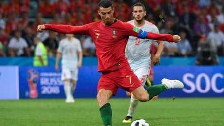 CR7 marcou para Portugal de pênalti contra a Espanha