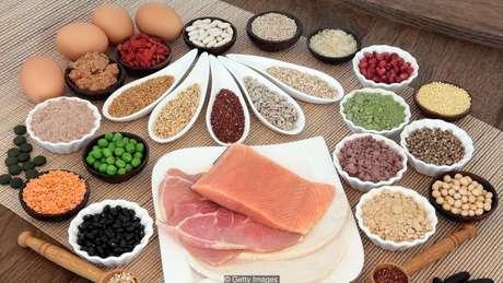 A maioria das pessoas obtém mais do que a dose diária recomendada de proteína a partir dos próprios alimentos