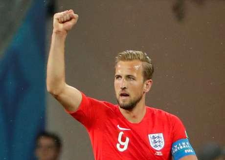 Capitão da Inglaterra, Kane comemora gol