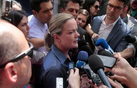 Gleisi Hoffmann concede entrevista em São Paulo