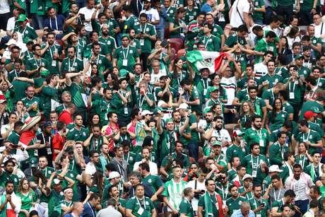 Torcedores mexicanos fazem festa no Estádio Luzhniki, em Moscou