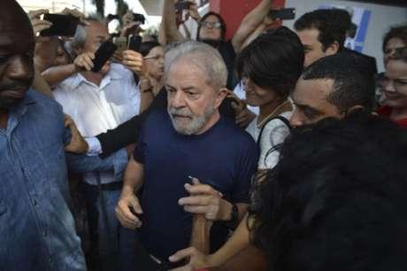 Ex-presidente está preso em Curitiba