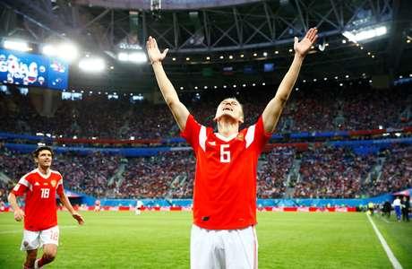 Cheryshev comemora gol pela Rússia