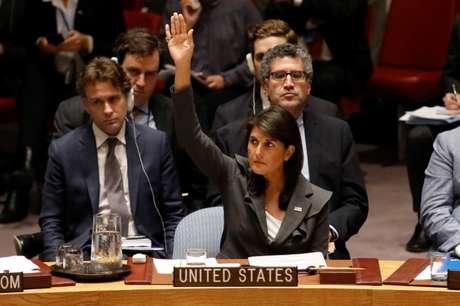 Nikki Haley durante reunião do Conselho de Segurança da ONU