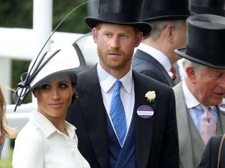 Meghan Markle usou vestido Givenchy em sua 1° aparição na corrida de cavalos Royal Scot
