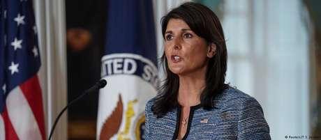 Nikki Haley diz que decisão não significa recuo dos EUA em seus compromissos com os direitos humanos