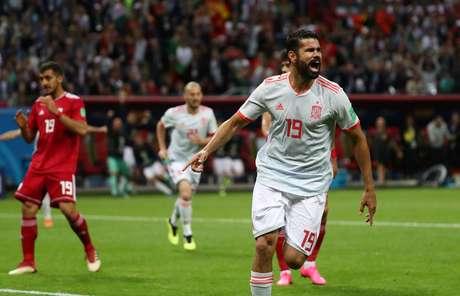 Diego Costa comemora gol da Espanha
