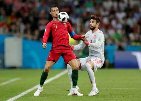 Cristiano Ronaldo em ação no jogo contra a Espanha