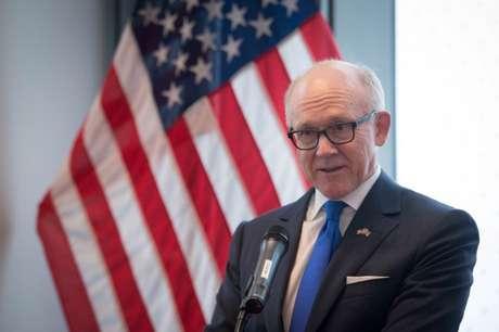 Embaixador norte-americano Woody Johnson faz discurso em Londres  13/12/2017    REUTERS/Stefan Rousseau/Divulgação