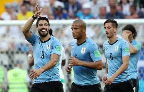 Suárez comemora gol na vitória do Uruguai sobre a Arábia Saudita