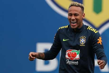 Neymar durante treino da Seleção em 19 de junho de 2018