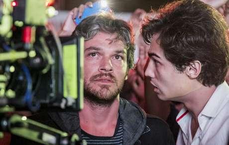 Gravação de cena com Beto (Emílio Dantas) e Valentim (Danilo Mesquita): pai e filho apresentam problemas emocionais comuns ao homem da 'vida real'
