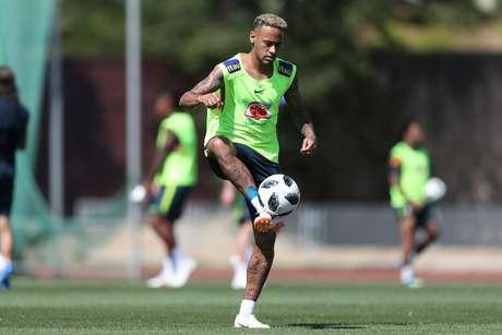 Neymar voltou a treinar nesta quarta-feira