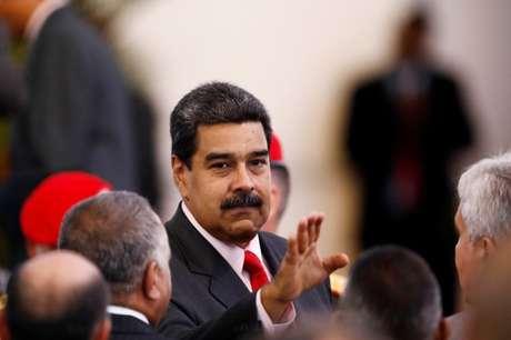 """Presidente da Venezuela, Nicolás Maduro, diz que a situação venezuelana é resultado de uma """"guerra econômica"""" liderada por políticos opositores com a ajuda de Washington"""