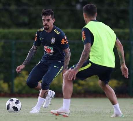 Lateral foi convocado para a Copa do Mundo após a confirmação da ausência de Daniel Alves (Foto: Lucas Figueiredo/CBF)