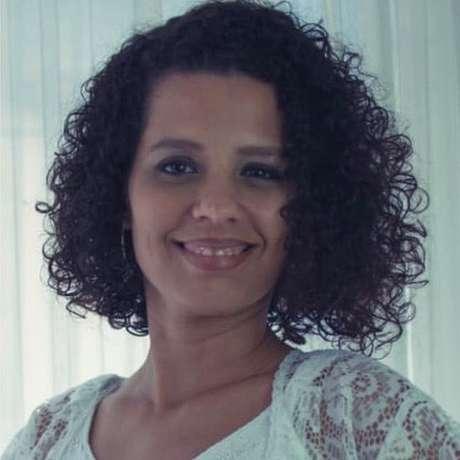 'Tenho um grupo de WhatsApp com parte da família apenas para discussão de política', Priscila de Araújo Barbosa