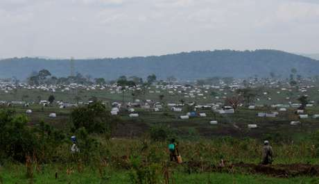 Acampamento de refugiados em Uganda
