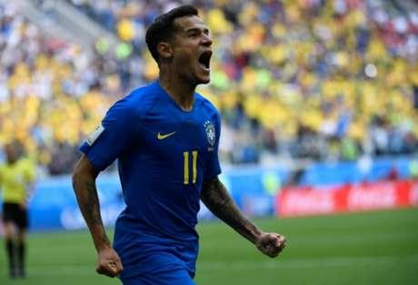 Philippe Coutinho comemora gol brasileiro (Foto: AFP/CHRISTOPHE SIMON)