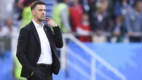 Mladen Krstajic acredita que sua equipe está preparada para vencer o Brasil na terceira rodada (Foto: AFP)