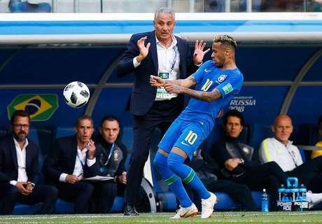 O tecnico do Brasil, Tite e Neymar Jr. do Brasil durante partida entre Brasil x Costa Rica válida pela segunda rodada do grupo E da Copa do Mundo 2018 realizada no Estádio Krestovsky (Zenit Arena) em São Petersburgo, na Rússia.